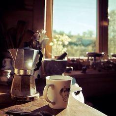 Buenos días! Nada mejor que comenzar el día con un buena taza de café Feliz Martes! #morning #thuesday #martes #cafe #cofee #nuevodia #nuevaoportunidad #entusiasmo #trabajo #esfuerzo by agropecuarialabrocha
