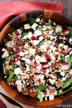 This Apple Bacon Salad with Maple-Balsamic Vinaigrette recipe is the perfect salad for fall! You'll love the fresh apple crunch and homemade vinaigrette! Apple Salad Recipes, Spinach Salad Recipes, Bacon Salad, Feta Salad, Healthy Salad Recipes, Healthy Food, Healthy Eating, Yummy Food, Balsamic Vinaigrette Recipe