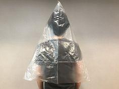 警視庁がすすめる、『ビニール袋ポンチョ』の作り方 「雨の時はコレだ!」 – grape [グレイプ]