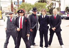 """I love this photo<<< I love how they are all concentrated and Frank is like """"what's over there"""""""