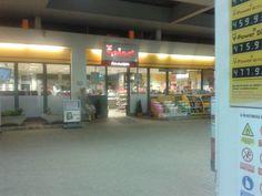 Shell itt: Tata, Komárom-Esztergom megye Four Square, Shells, Conch Shells, Seashells, Sea Shells, Snail, Clam Shells, Shell