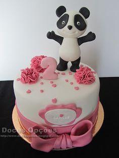 Doces Opções: Bolo com o Panda para o 2º aniversário da Matilde Panda Birthday Cake, Bithday Cake, Bolo Panda, Bolo Minnie, Panda Cakes, Panda Party, Animal Cakes, Girl Cakes, Cake Batter