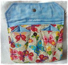 Porta kit manicure confeccionado com tecido 100% algodão e manta R2. * consultar estampas disponíveis