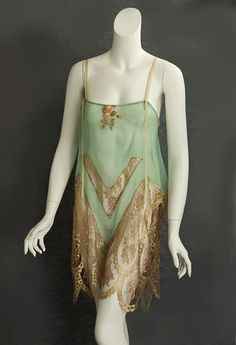 6c8092600f7288 How to Buy Vintage Lingerie from the 1920s and 1930s
