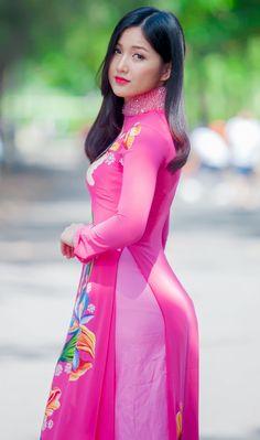 Myanmar Traditional Dress, Vietnamese Traditional Dress, Vietnamese Dress, Traditional Dresses, Long Dress Fashion, Fashion Dresses, Ao Dai, Sexy Dresses, Nice Dresses