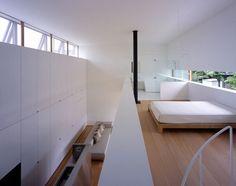 Snail House / By Tezuka Architects
