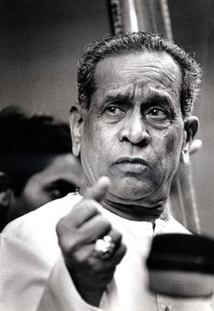 the most beautiful voice on Earth! Bhimsen Joshi, Hindustani Classical Music, India Actor, Top Singer, Vintage Vignettes, Indian Music, Vintage Bollywood, Beautiful Songs, Dance Pictures