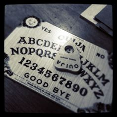Custom ouija board printable templates invitation templates halloween pinterest ouija - Tavola ouija storie vere ...
