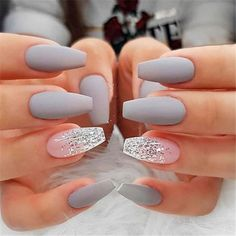Accent nails: Increase your mani in 7 simple ways - Nageldesign - Nail Art - Nagellack - Nail Polish - Nailart - Nails Grey Matte Nails, Coffin Nails Matte, Cute Acrylic Nails, Cute Nails, Matte Nail Art, Glitter Accent Nails, Nail With Glitter, Acrylic Nails For Summer Coffin, Acrylic Nail Designs Coffin