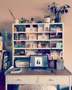 Office sweet office <3 /// Bureau Maisonsdumonde / Boites Mylittlebox / Petites plantes vertes :)