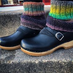Wooden Sandals, Wooden Clogs, Sven Clogs, Women's Feet, Kids Fashion, Womens Fashion, Sexy Heels, Shoe Dazzle, Crazy Shoes
