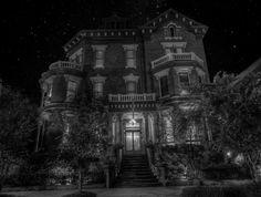 A beautiful photo of the very haunted Kehoe House in Savannah Georgia.