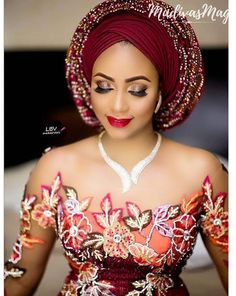 GELE AND MAKE-UP FOR THE NEW YEAR