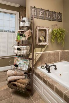 Farmhouse Rustic Bathroom Decor Ideas on A Budget (4)