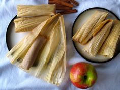 colombian dessert recipes, fast and easy dessert recipes, limoncello dessert recipe - Cinnamon Apple Tamales, and how to make (vegetarian) sweet masa with cinnamon for dessert tamales. Masa For Tamales, Sweet Tamales, Vegan Tamales, Raw Food Recipes, Mexican Food Recipes, Dessert Recipes, Cooking Recipes, Mexican Desserts, Freezer Recipes