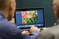 Naast leuke workshops fotografie voor spiegelreflex of smartphone is het ook leuk om je bestanden te organiseren en te bewerken. Wij beschikken over 15 laptops met Adobe Lightroom om zelf te oefenen. Leuk voor personeelsverenigingen en fotoclubs.