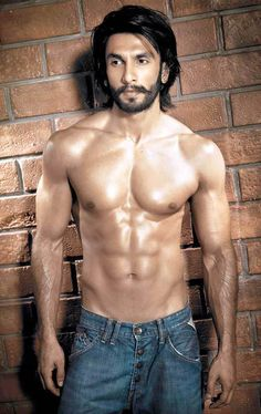 Ranveer Singh BodyRanveer Singh Body Measurements Measurements