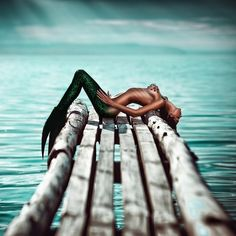 "yourlovelifeworld: "" by Svetlana Belyaeva "" Mermaid Photo Shoot, Mermaid Pictures, Mermaid Artwork, Mermaid Drawings, Fantasy Mermaids, Mermaids And Mermen, Chica Fantasy, Fantasy Art, Underwater Photography"