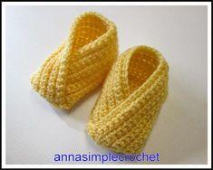 J'ai crocheté ces petitschaussons basé sur un modèle en tricot trouvé ici : http://pruline.canalblog.com/archives/2010/01/04/16385448.htm...