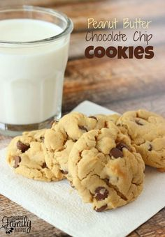 his Peanut Butter Chocolate Chip Cookies recipe is the perfect combination of my two favorite cookies.  They are rich with peanut butter and have just the right amount of chocolate chips to get a chocolatey taste in every bite.  These cookies have a soft, chewy texture and they freeze very well.
