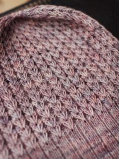 Le tr s beau point du joli c ur je vous propose ce point au tricot qui est vraiment joli et - Point tricot facile joli ...