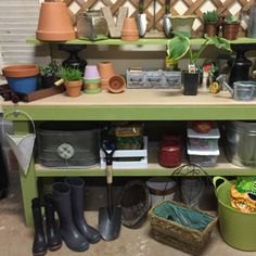How to Customize a Potting Bench | Garden Club