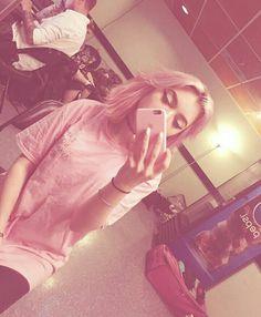 Rena Lovelis - Hey Violet