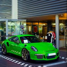 911 GT3RS Viper green
