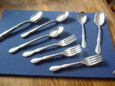 Rogers Cutlery Co. Stainless u.s.a. Victorian Manor Pattern 26 pcs.