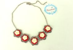 White flowers with red beads Necklace