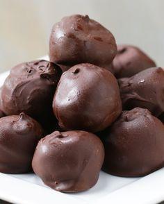 Chocolate Peanut Butter Oat Balls