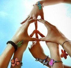 The Wish of a Peaceful World !! ♥    If we have no peace, it is because we have forgotten that WE belong to each other ♥ Peace starts with a smile !  Mother Teresa