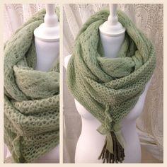 Snoods trois tours en mohair et laine couleur kaki 39.90€  http://m.me/lili.patchoulie ou par messagerie Pinterest
