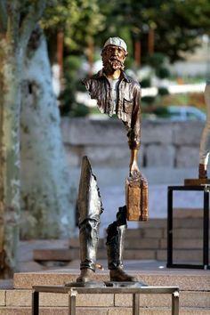Les Voyageurs - Surreal sculptures by Bruno Catalano / via www.dcriativo.com