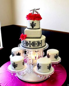 Chandelier theme quinceanera cake (where was this when we did our renewal!!!???)