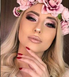 Cubana Chronicles - Living a healthy & successful life. - pink smokey eye makeup with light pink lips - Pink Smokey Eye, Smokey Eye Makeup, Light Smokey Eye, Light Eye Makeup, Eye Brows, Eyeshadow Makeup, Eyeshadow Palette, Makeup Trends, Makeup Looks