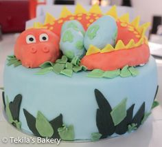 Dinosaurus cake.