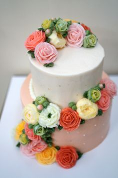 # my cake collection https://www.facebook.com/tokkicake buttercream flower cake by myself
