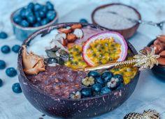 Schon mal was von Noatmeal gehört? Noats steht für no carb oats, also ein pures keto Frühstück ohne Kohlenhydraten dafür mit ganz vielen wichtigen Ballaststoffen dank der Lein- und Flohsamen im Rezept! Unique Recipes, My Recipes, Berry, Porridge Oats, Incredible Recipes, Instagram Worthy, Different Recipes, Food Food, Acai Bowl