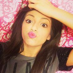 MacBarbie07 Bethany Mota Beauty Guru Youtube--- She's amazing!
