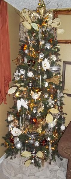 Southern Elegance Christmas Tree