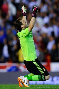 Iker Casillas celebrates after winning the Copa del Rey Final between Real Madrid CF and FC Barcelona at Estadio Mestalla on April 16, 2014 in Valencia, Spain.