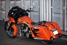 Harley 2011 FLTRX : 23″ Big Wheel Bagger Custom