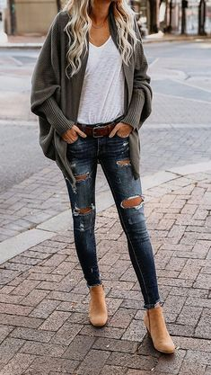 20+ Amazing Outfit Ideas for Wearing Oversized Sweaters #fashionideas