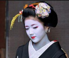 Maiko 舞妓 Katsuna 勝奈 #japan #kyoto #geisha #geiko #maiko