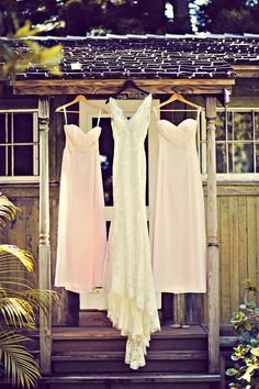 lace wedding dress and pink bridesmaid dresses | Tamiz Photography