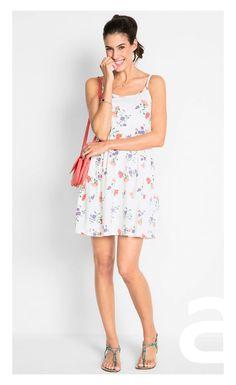 stylizacja elegancka, ciekawa stylizacja, moda damska, sukienka w kwiaty Adidas, Summer Dresses, Fashion, Moda, Summer Sundresses, Fashion Styles, Fashion Illustrations, Summer Clothing, Summertime Outfits
