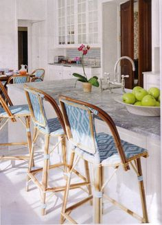 Thoughts on home - kitchen Kitchen Decoration bistro kitchen decor Home Kitchens, French Bistro Chairs, Kitchen Design, Kitchen Decor, Cafe Chairs, New Kitchen, Bistro Stools, Kitchen Stools, Trendy Kitchen