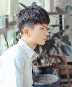 Korean Haircut Men, Asian Man Haircut, Japanese Haircut, Korean Hairstyles Women, Korean Men Hairstyle, Korean Short Hair, Cool Hairstyles For Men, Boy Hairstyles, Haircuts For Men