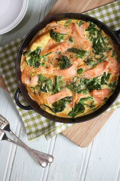 Sponsored bythe Norwegian Seafood Council A quick and easy smoked salmon and broccoli frittata recipe, packed with protein, this makes a perfect breakfast or lunch, as well as a family dinner. This easy smoked salmon and broccoli frittata recipe (with peas for extra veg too) has been a life saver for me in recent months....Read More »